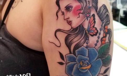 オールドスクール女の子タトゥー