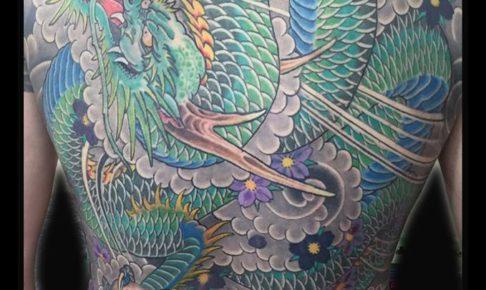 和彫り背中青龍