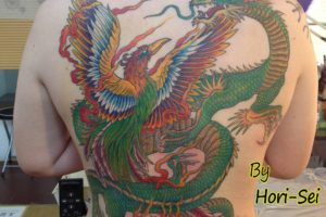 和彫り背中鳳凰