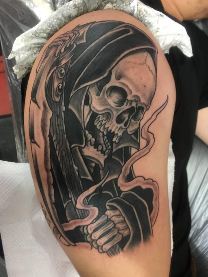 リアリスティックスカル死神タトゥー
