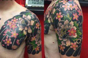 桜と牡丹の和彫り
