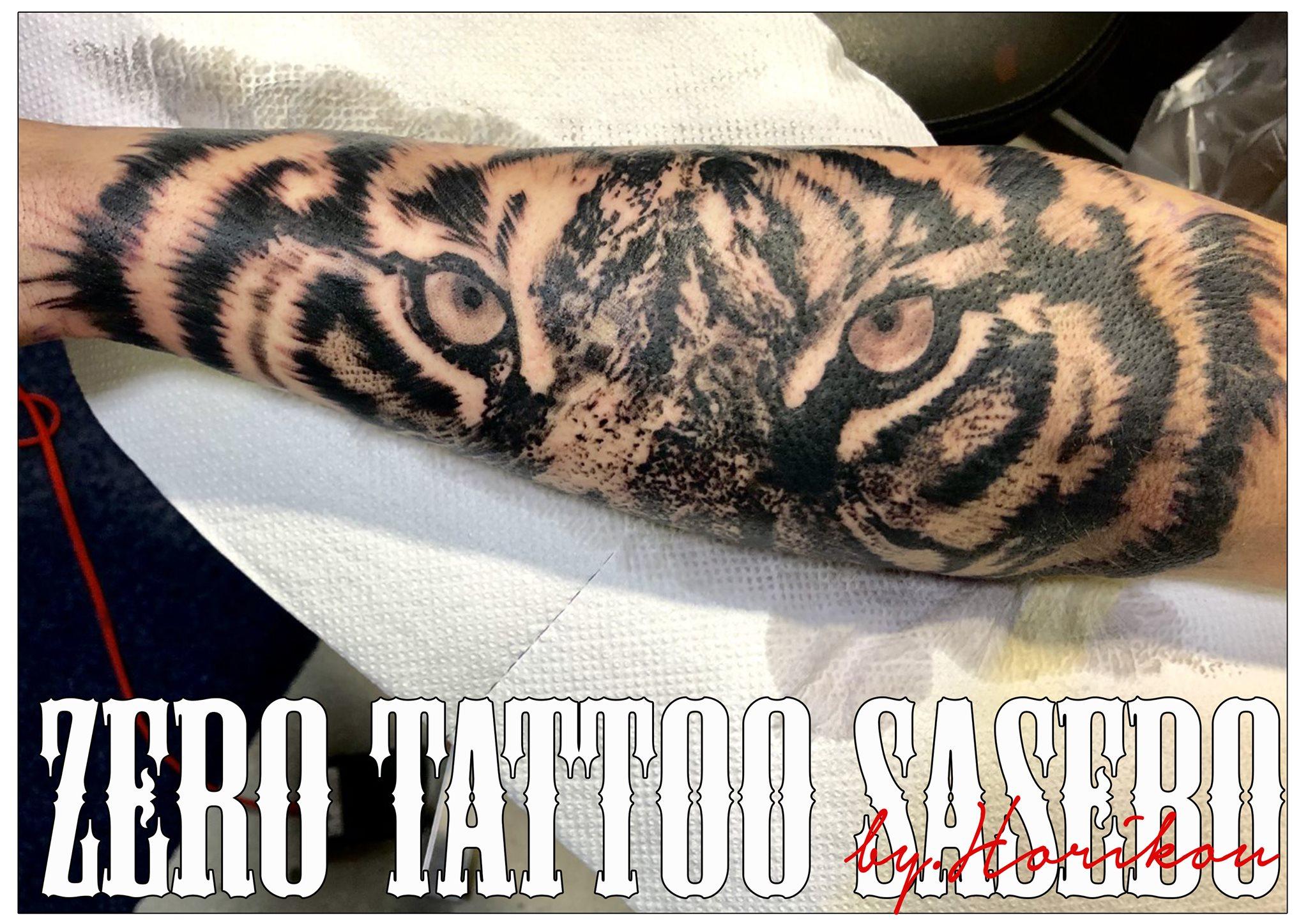 虎の眼のタトゥー