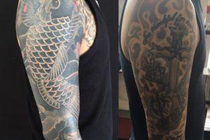 鯉の和彫りカバーアップタトゥー